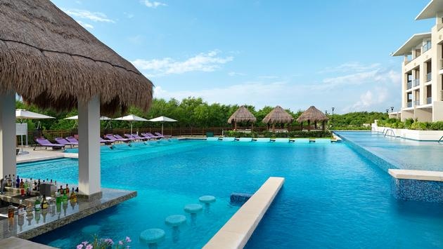 Royal Service pool at paradisus playa del carmen la perla