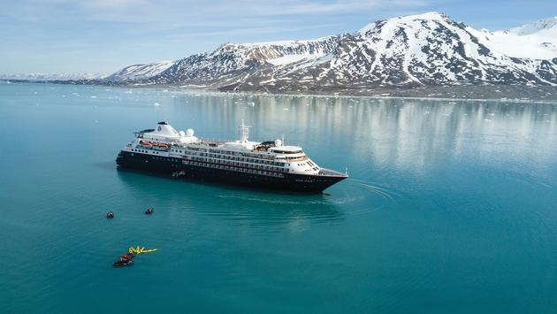 Silver Cloud, Monacobreen Arctic, Svalbard, Norway, ship, kayaking, landscape