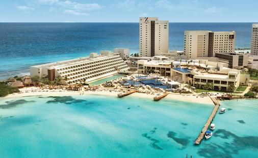 Playa Resorts and Hotels