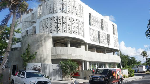 The El Blok Hotel in Esperanza.