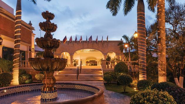 Hilton, Playa del Carmen, Playa Resorts, courtyard