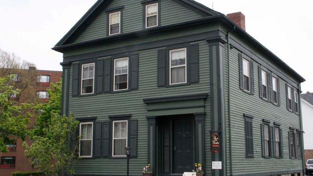 Lizzie Borden Bed and Breakfast in Massachusetts