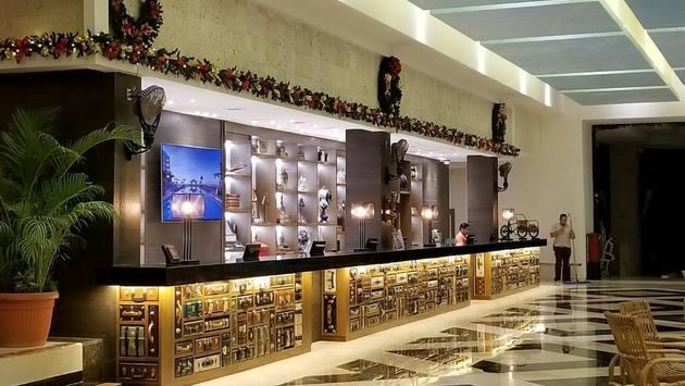 Lobby of Panama Jack Resorts Cancun