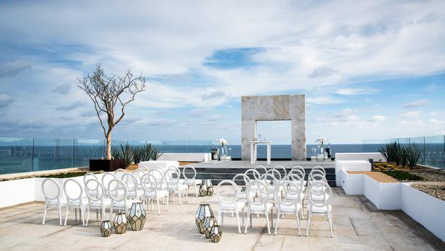 Destination Weddings & Honeymoons at Le Blanc Spa Resort