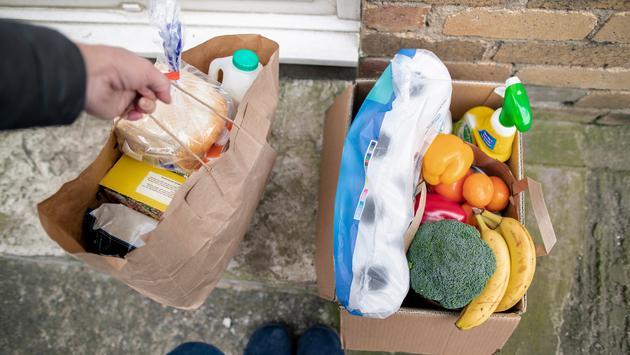 Leaving bags of food on doorstep