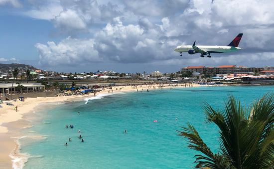 Avion sur la plage de Maho, Saint-Martin