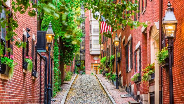 Acorn Street in Boston, Massachusetts, USA. (Photo via Sean Pavone / iStock / Getty Images Plus)