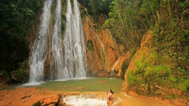 El Limon waterfall, Dominican Republic (photo via Donyanedomam / iStock / Getty Images Plus)