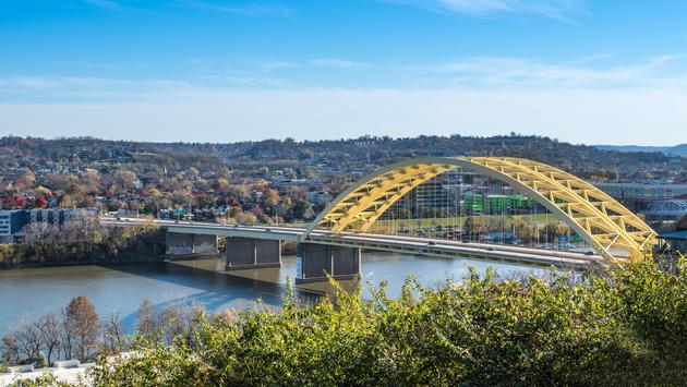 Landscape scene depicting the Daniel Carter Beard Bridge (also known as the 'Big Mac Bridge') in Cincinnati, Ohio (Photo via  krisblackphotography  / iStock / Getty Images Plus)