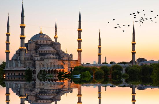 Blue mosque and hagia sophia .. (photo via Photosensia / iStock / Getty Images Plus)