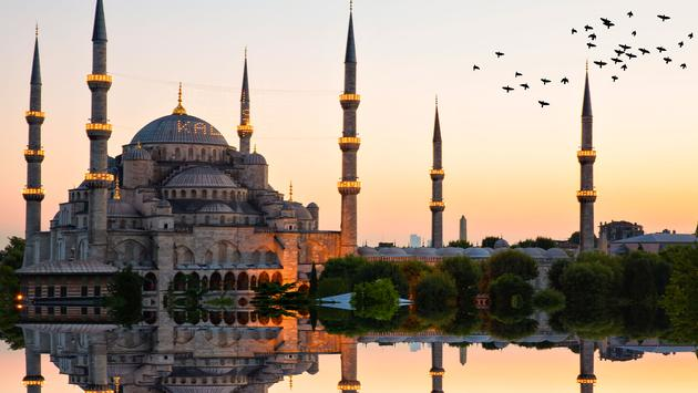 Blue mosque and hagia sophia .. (photo via Photosensia / iStock / Getty Images Plus)