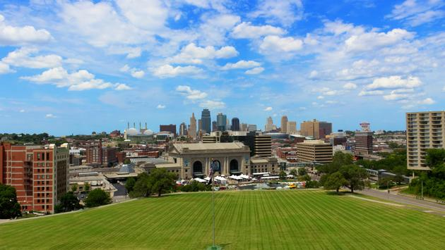Kansas City Downtown.  (photo via cwthomeczek/ iStock / Getty Images Plus)