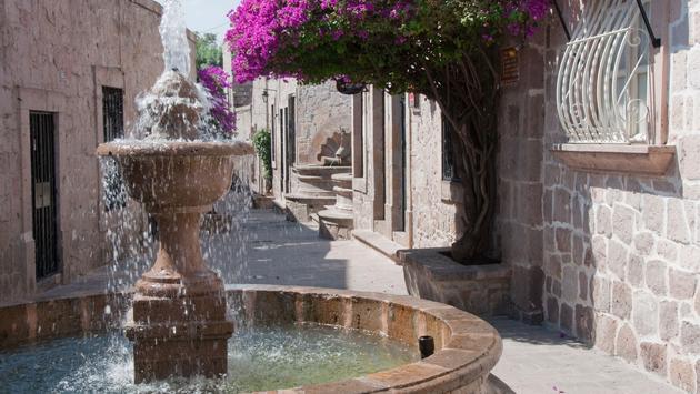 Callejon del Romance (Romance Alley), Morelia (Mexico) (photo via AlbertoLoyo / iStock / Getty Images Plus)