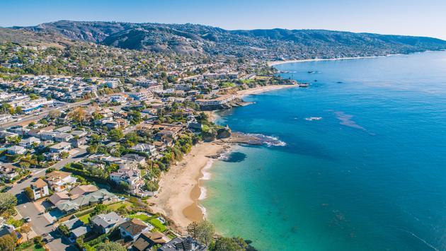 A view of the beach and coastline in Laguna Beach, California.