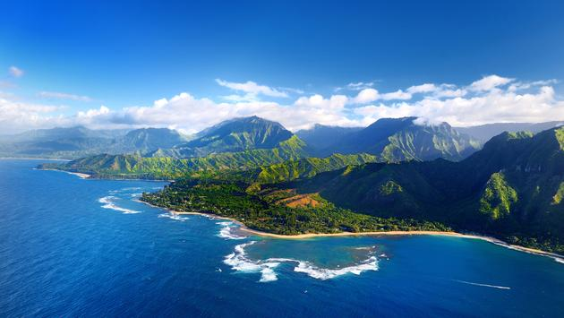 Beautiful aerial view of spectacular Na Pali coast, Kauai, Hawaii (maximkabb / iStock / Getty Images Plus)