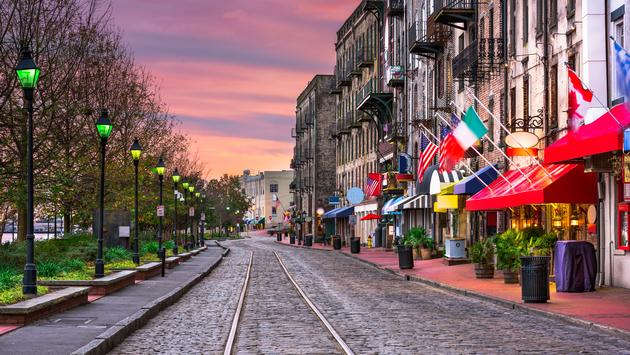 Savannah, Georgia, USA bars and restaurants on River Street. (photo via SeanPavonePhoto / iStock / Getty Images Plus)