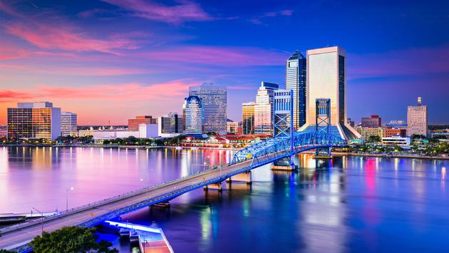 Jacksonville, Florida, USA Skyline. (photo via SeanPavonePhoto / iStock / Getty Images Plus)