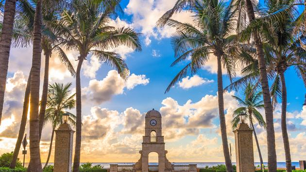 Palm Beach, Florida, USA clock tower on Worth Ave. (Sean Pavone / iStock / Getty Images Plus)