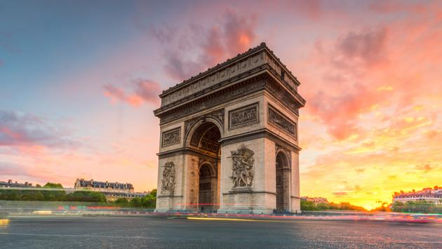 the landmark of Paris, France in the evening (Puttipong Sriboonruang / iStock / Getty Images Plus)